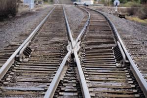 2 train tracks